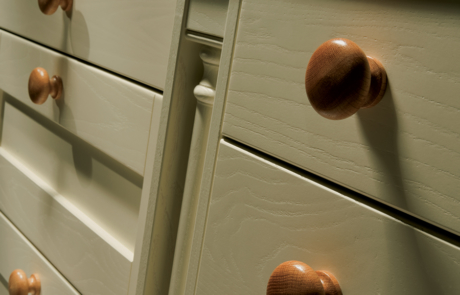 malaborough-painted-ivory-kitchen-box-pilaster - from Riley James Kitchens Gloucestershire